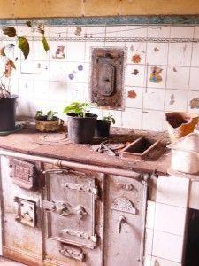 Cociña_de_ferro,_A_Estrada,_Galiza