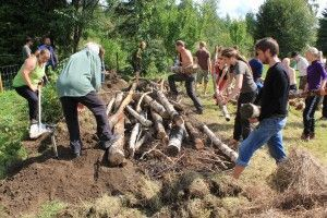 The_Scandinavian_Permaculture_festival_of_2013_-_7_Hugelculture